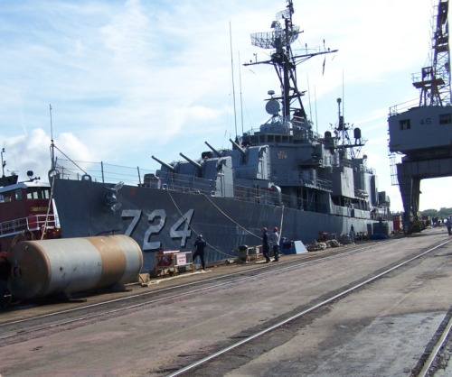 Laffey being nudged to her temporary berth at Detyen's shipyard, the former Charleston Naval Base.